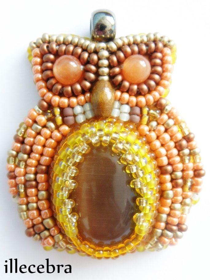 Amber - a little, cute owl. #beadembroidery #illecebra