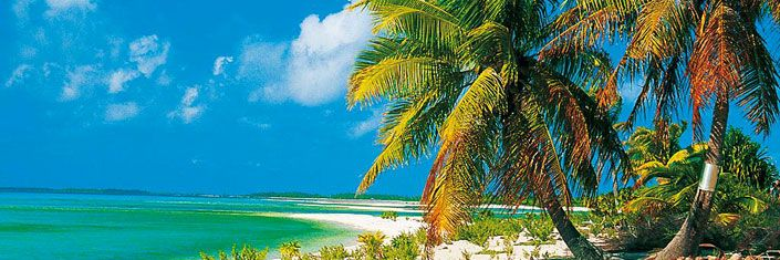 Nassau (Bahamas) - La dinámica capital, con sus característicos edificios coloniales de colores pastel, te ofrece una gran variedad de refinadas tiendas, pero también hay mágicas playas esperándote.
