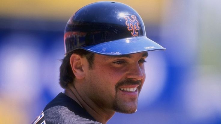 On this date: Mike Piazza makes his Mets debut in 1998