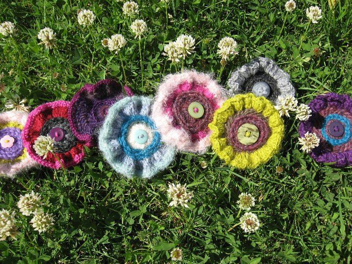 Crochet - broches - buttons -'Naughty Nippels'