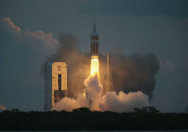 NASA's Orion Spacecraft Launches Unmanned Test (12-05-14)