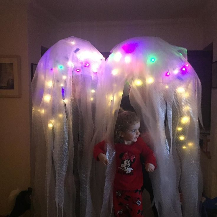 When your Mommy and Daddy are jellyfish and you want to be one two xx #jellyfish #clifdenireland #fancydress #iwanttobelikeyou