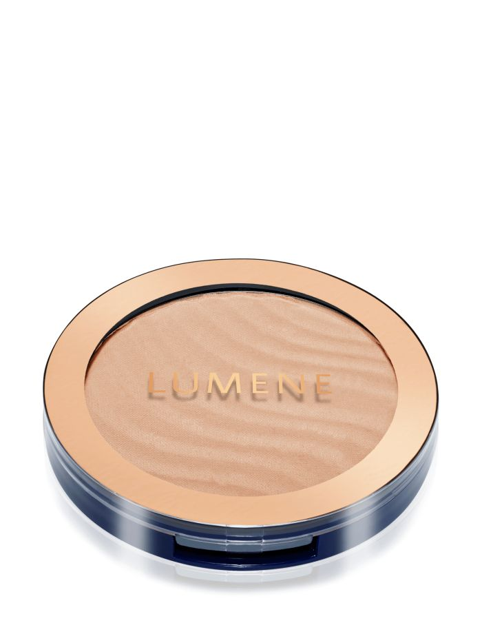 For a natural, sunkissed look: apply bronzer to the areas of the face that respond to the sun first: the cheeks, forehead, chin and bridge of the nose. #bronzer #lumene