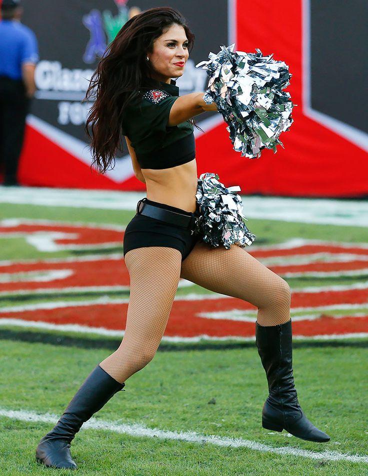 Tampa Bay Buccaneers Cheerleader