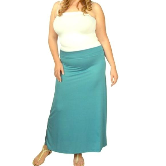 🆕Seamless teal maxi skirt Brand new. Beautiful real colored maxi skirt is a must because you can dress it up or down! Bundle to get even bigger savings! Offers welcome. ❌🚫No trades. Boutique Skirts Maxi