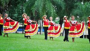 Resultado de imagem para dança folclorica