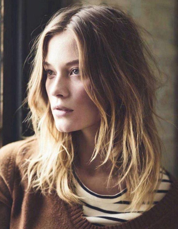 cheveux ondulés blonds