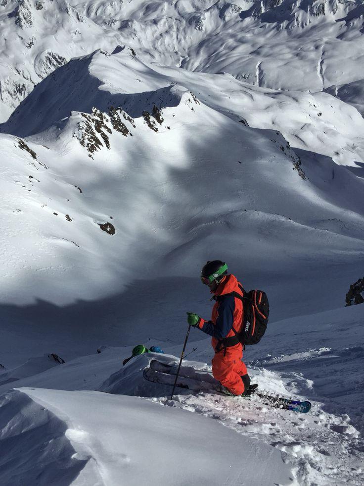 Scouting some lines at Gemsstock. Welcome to the #freerider's #lodge and #hostel in #andermatt, #swiss #Alps www.basecamp-andermatt.com WE GOT SNOW ! :-) #freeride #freeski #powder #visitandermatt #backcountry #skitour #randonee #switzerland #gemsstock #nätschen #visitandermatt #accommodation #ski #backcountry #offpiste #deep #steep #bigmountain #outdoor #fewo #guspis #gurschenstock #giraffe #snow #dump #oberalp #open #furka #gotthard
