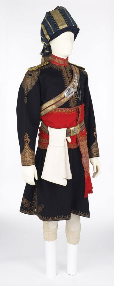Officer's full dress uniform worn by Major J A C May-Somerville, 11th King Edward's Own Lancers (Probyn's Horse), 1913 (c)