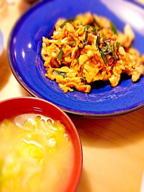 うっかりダブル白菜に あとはたまごやきと冷奴でした❀ - 13件のもぐもぐ - 豚キムチ 白菜と油揚げの味噌汁 by akiko