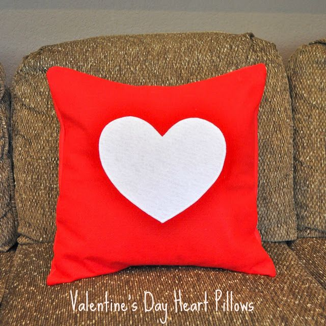 How to Make a Felt Heart Pillow: Pillows Covers, Diy Valentines Day, Crafts Ideas, Valentine'S Heart Pillows Jpg, Felt Hearts, Diy'S, Diy Valentine'S Day, Valentine'S S, Felt Pillows