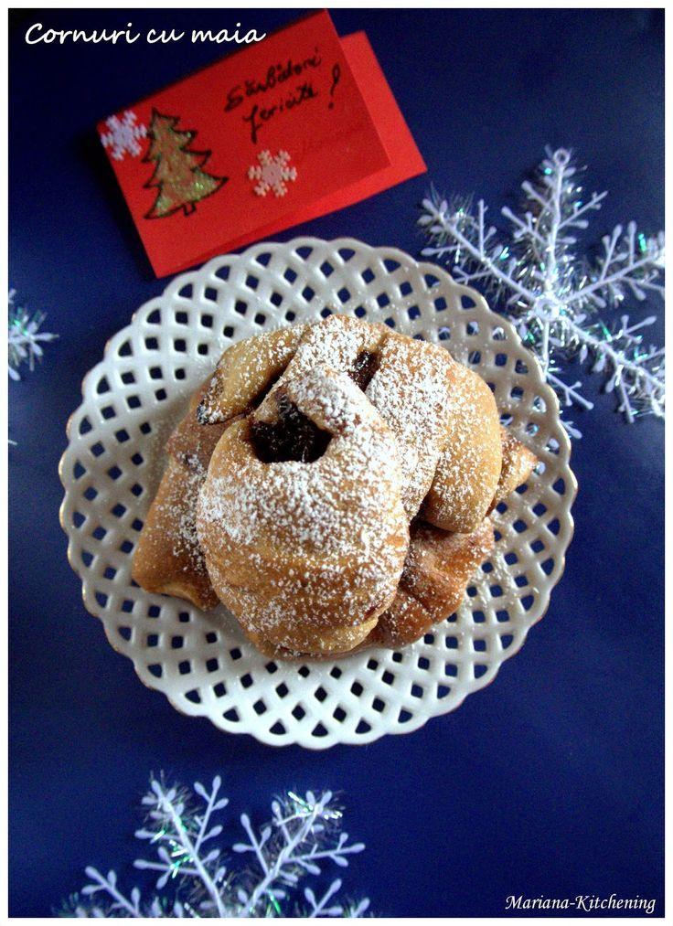 Kitchening: Cornuri cu maia/Sourdough crescent rolls