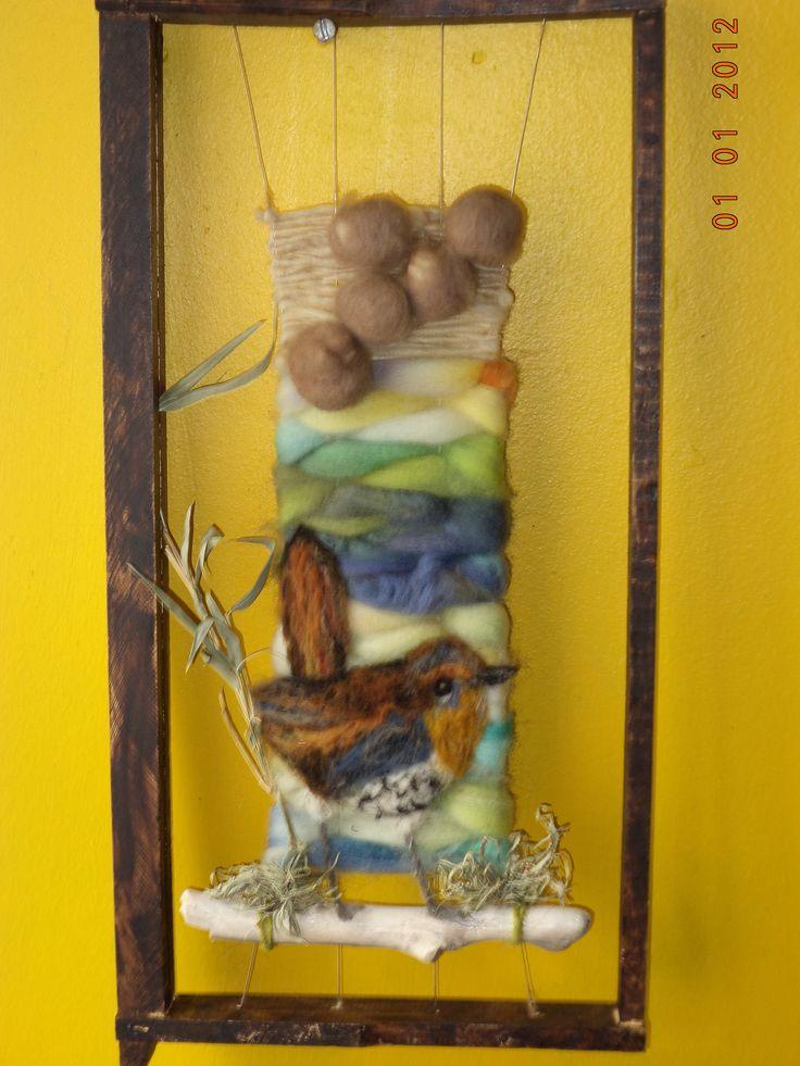 Chucao , ave chilena plasmada en una obra realizada por Jessica Fernandez (Jeca)  , en lanas naturales teñidas a mano por las artesanas mapuches .De la Region de la Araucania ; Chile.