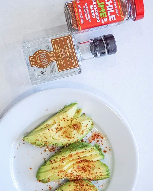 There is nothing I love more than chilled avocado slices with balsamic, chili powder & lime 👌🏽 What is your favorite way to eat an avocado?
