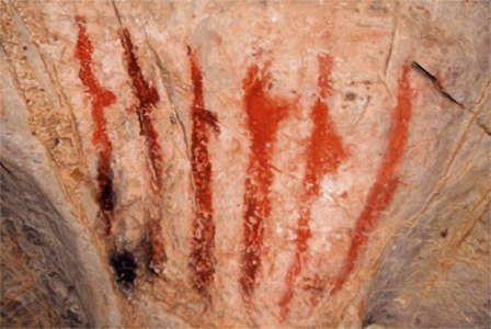 34000 BC Cueva del Pindal claviform signs