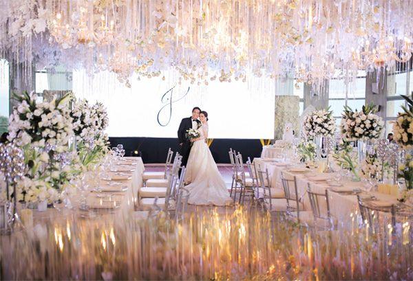 A White Themed Tagaytay Wedding With A Stunning Reception Setup Tagaytay Wedding White Weddings Reception Wedding
