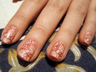 Flores psicodélicas. ¡Locas por las uñas!
