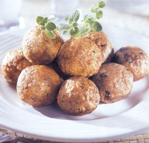 Meatballs with cumin & ouzo!  http://www.eliasmamalakis.gr
