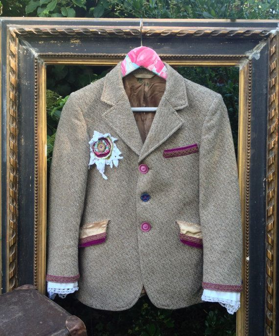 Re-designed up-cycled Beau Brummel vintage tweed brown purple cream coat fitted wool jacket 8 small & lace trim cuffs fabric button brooch