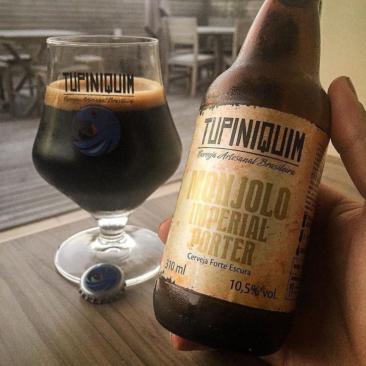 Simplesmente apaixonado. Que cerveja foda!  ___ Essa é a Imperial Porter da @cervejariatupiniquim  Espuma densa e escura corpo alto intensa e alcoólica.  ___ Pra quem gosta de cervejas mais fortes eu super recomendo. E aí já tomou essa? Cheers!  #confraria27 #bebamenosbebamelhor #bebamelhor #bebalocal #lajehomepub #lovecraftbeer #liquidosagrado #mulherescervejeiras #mariacevada #planetacervejeiro #tcherveja #imperialporter #cerveza #breja #craftbeerporn #craftbeer #instabreja #instabeer…
