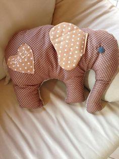 Kuschelkissen Elefant von A.Lillifix auf DaWanda.com