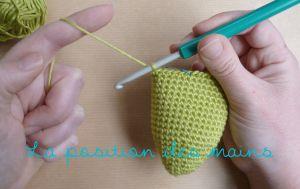 Le guide simple pour débuter la création d'amigurumi : le matériel, les mailles et les instructions.