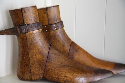Wooden shoe forms