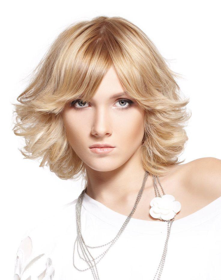 Каскад на полудлинные волосы фото