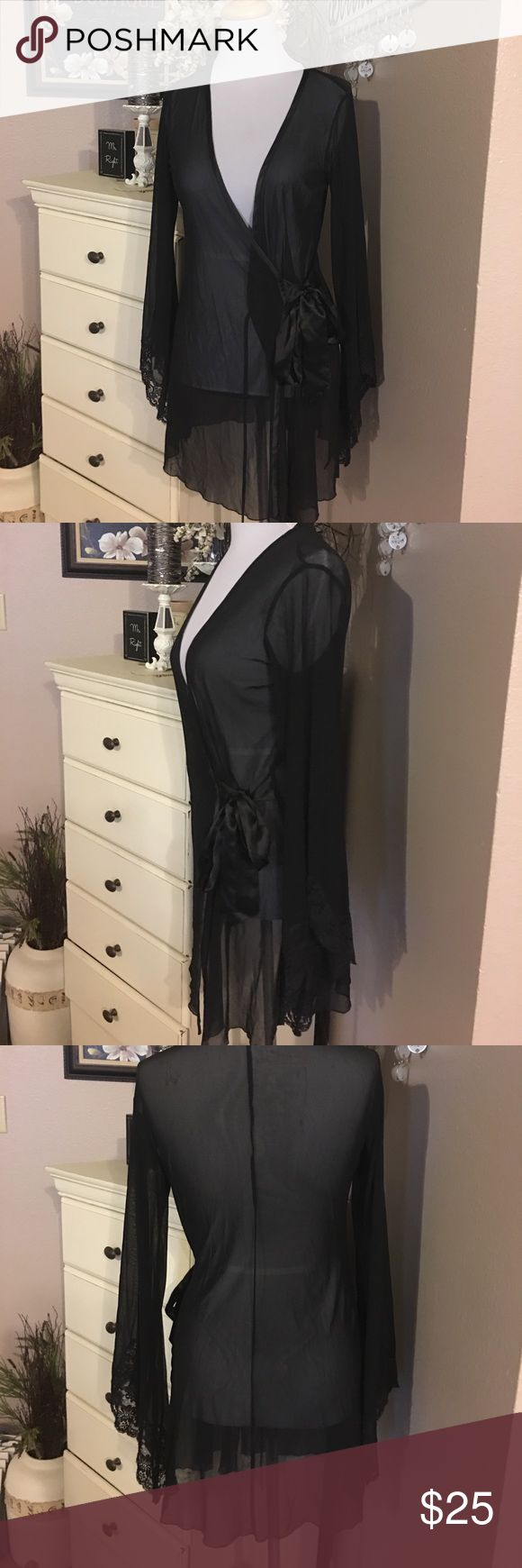 Fredericks of Hollywood robe Fredericks of Hollywood sheer robe. Excellent condition size small no tears Frederick's of Hollywood Intimates & Sleepwear Robes