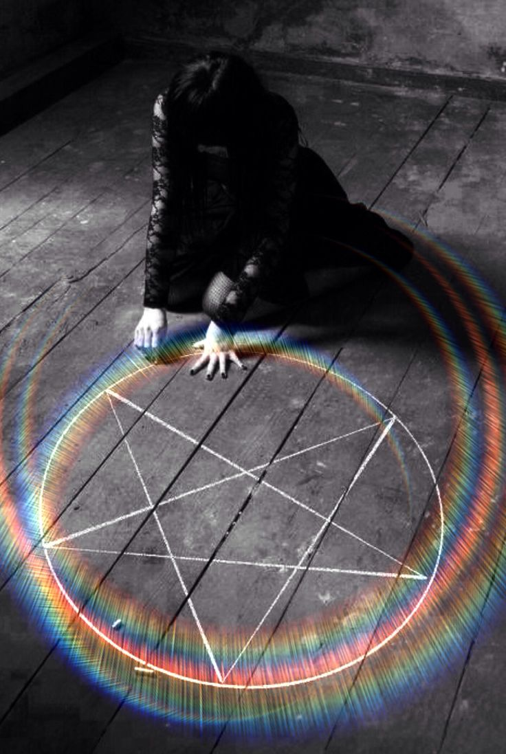 ♠️The Circle is ready.they will come.The power of one will be the power of Three..When darkness falls♠️