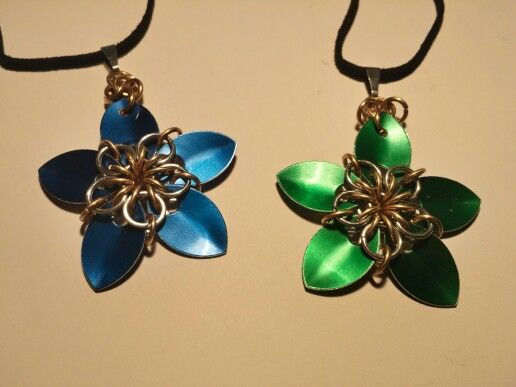 Scale Flowers! Also available in Red