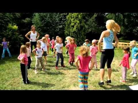Pigy cvičí s Hankou Kynychovou ve školce - 5. část