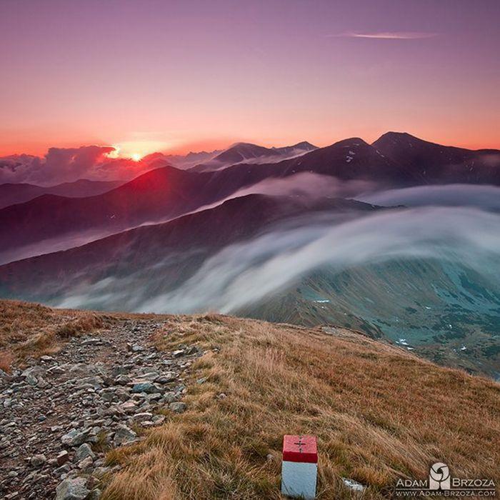 Adam Brzoza obserwuje Tatry od urodzenia. Od wielu lat je fotografuje. I robi to spektakularnie. Zobacz galerię tatrzańskich krajobrazów.