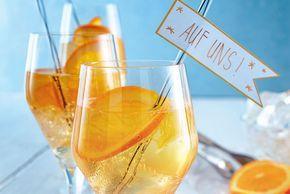 Unser beliebtes Rezept für Lillet-Orangen-Spritz und mehr als 55.000 weitere kostenlose Rezepte auf LECKER.de.