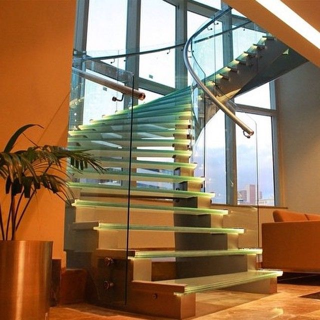 Escalera con luces Led ...Inspírate con Gogetit!  Staircase with Led lights ...Get inspired with Gogetit!