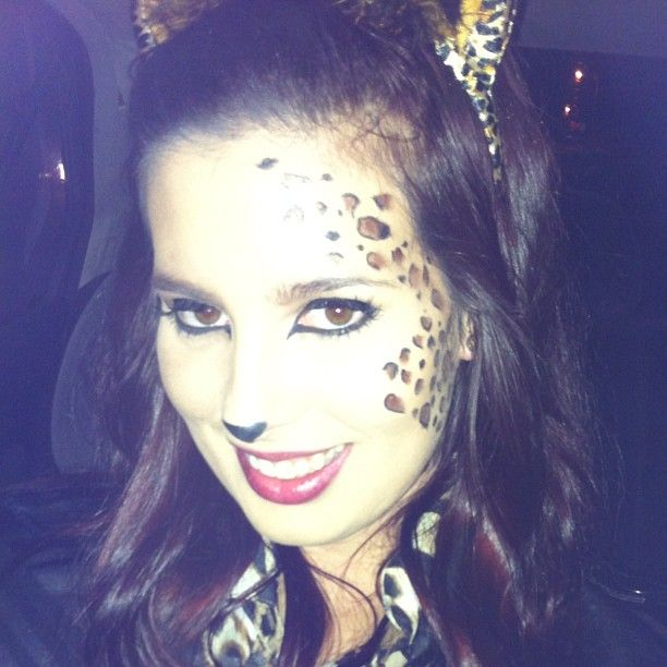 easy halloween face paint leopardcheetah look with eyeliner and eyeshadow wwwyoutube - Halloween Easy Face Painting