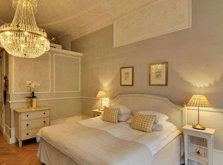 Scandinavian Style: Two Duvets on One Bed