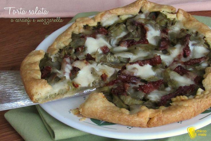 TORTA SALATA CARCIOFI E MOZZARELLA #torta #salata #quiche #rustica #rustico #brisè #sfoglia #carciofi #mozzarella #pomodori #secchi #secondo #antipasto #vegetariano #ricetta #facile #easy #vegetarian #recipe #artichoke #sundried #dried #tomatoes #cheese #ilchiccodimais http://blog.giallozafferano.it/ilchiccodimais/torta-salata-ai-carciofi-mozzarella/