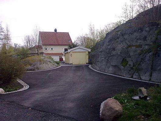 Kombinasjon av asfalt og belegningsstein? - 34_1321328016.jpg - Bidda