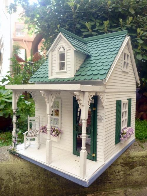Jen Spec green cottage