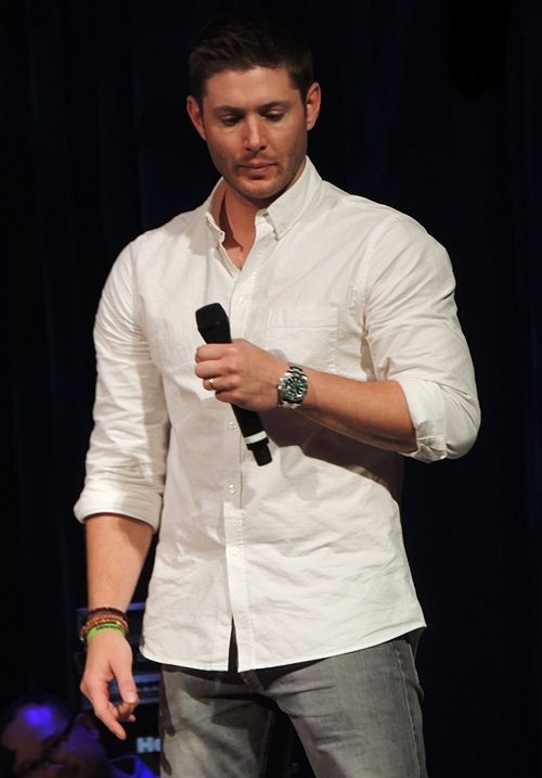 Jensen in his sexy white shirt at MinnCon2015 (Credit to Dawn Shepard)