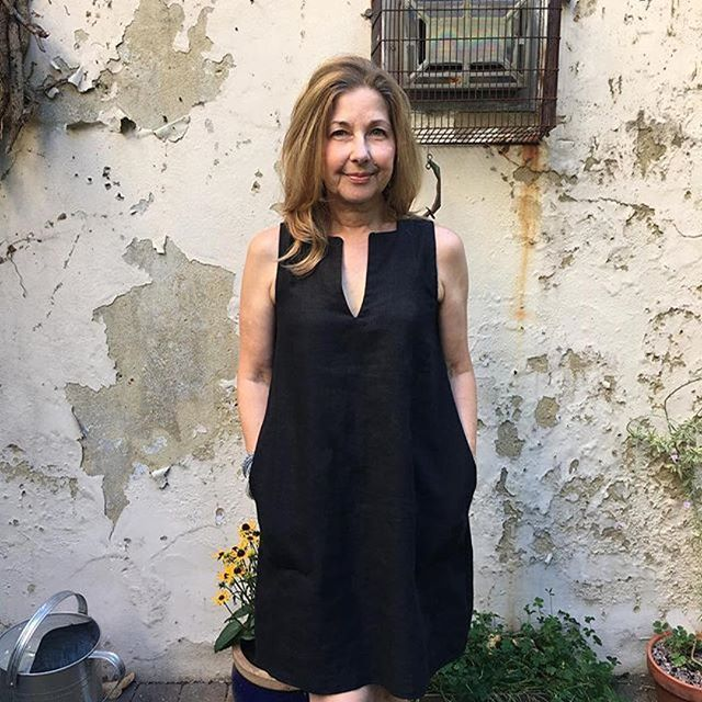 The Sleeveless Shift Dress in gorgeous black linen. Perfection. Getting ready to do some Spring and Summer sewing, how about you?