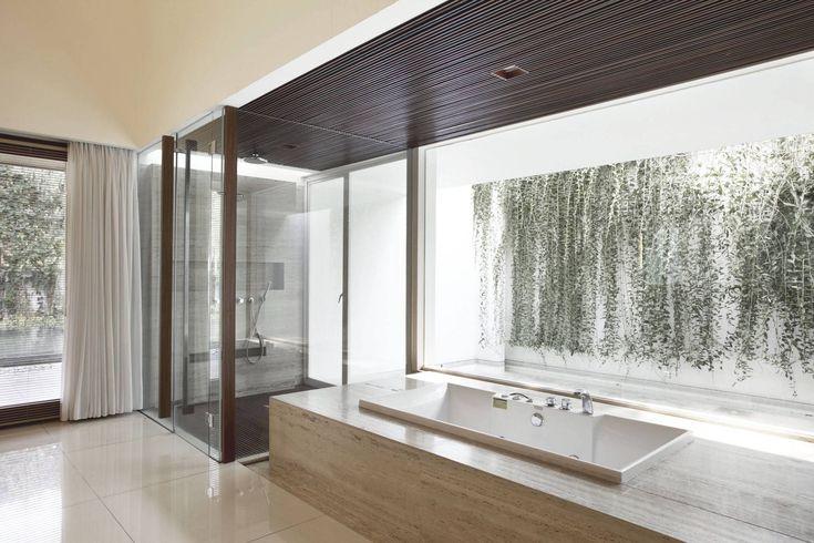 Photo EW House - Bathroom EW House 4 desain arsitek oleh Antony Liu + Ferry Ridwan / Studio TonTon - ARSITAG