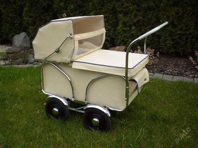 3515 beste afbeeldingen over kinderwagens op pinterest vintage poppen retro vintage en. Black Bedroom Furniture Sets. Home Design Ideas
