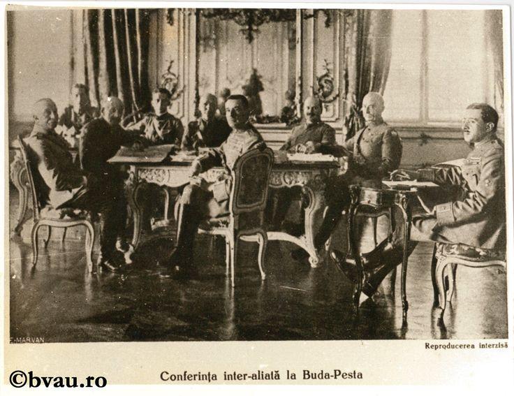 """Fotografie din Războiul pentru întregirea neamului - Conferința inter-aliată la Buda-Pesta. Imagine din colecțiile Bibliotecii """"V.A. Urechia"""" Galați."""