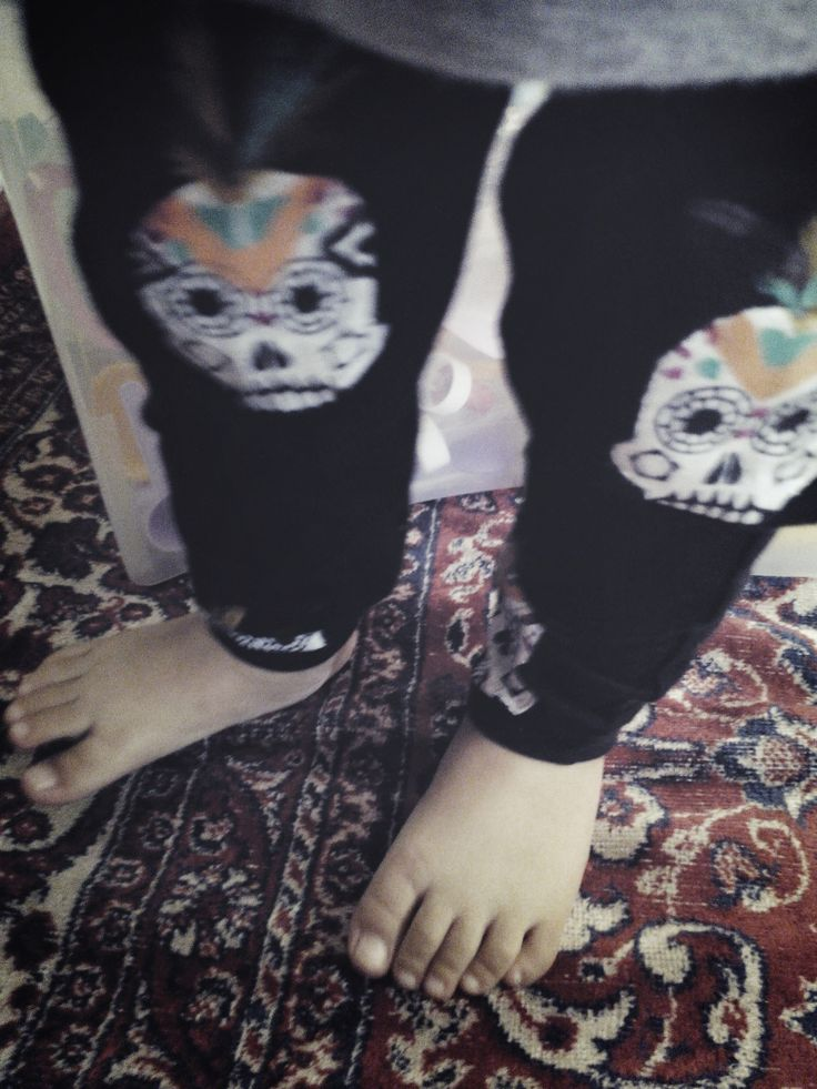 a skull legging for baby and toddlers. follow their instagram @hellobambino  and still.. am supporting for Indonesian Local Brand
