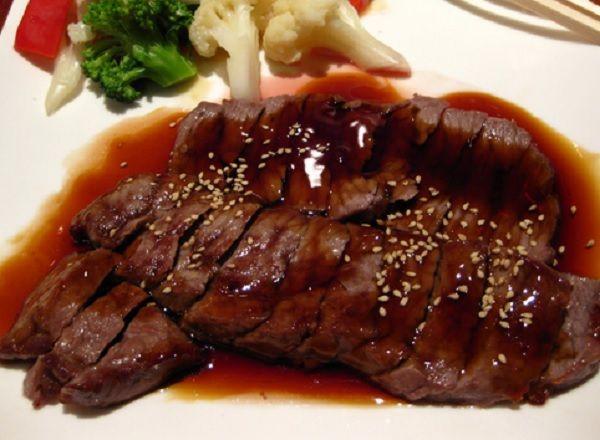 Steak Daging Sapi yang Lembut