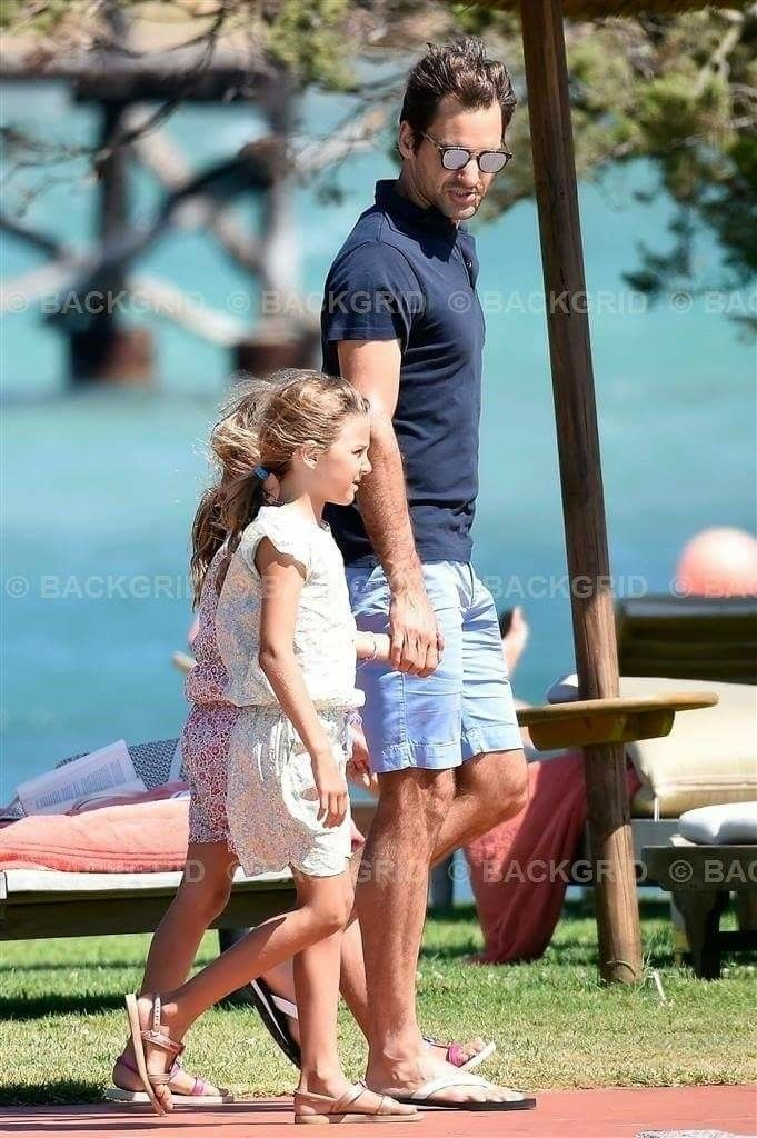 Roger Federer and twin girls 2017