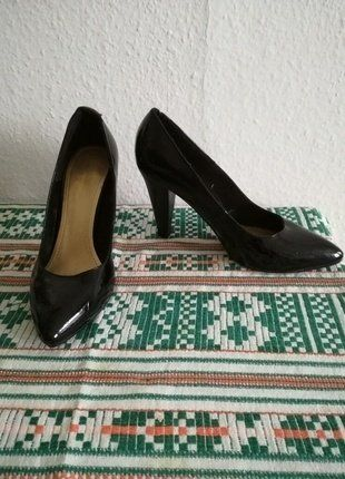 Kaufe meinen Artikel bei #Kleiderkreisel http://www.kleiderkreisel.de/damenschuhe/hohe-schuhe/142730355-high-heels-schwarz-lack-hm-39