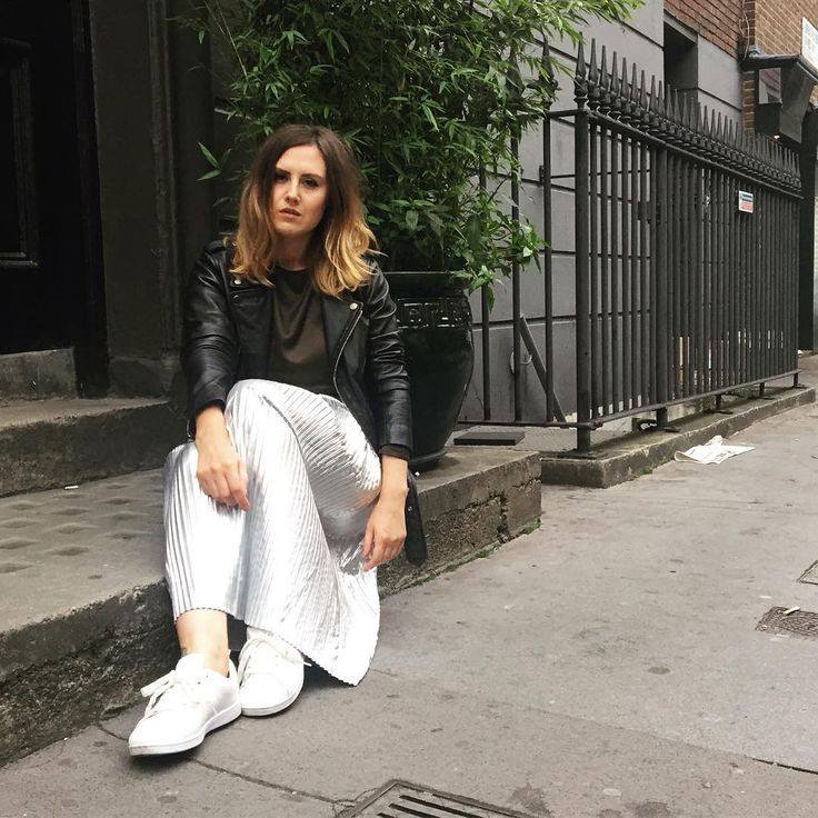 Day two of London Fashion Week and it called for comfort with all-white trainers, a silver pleated skirt, silk khaki blouse and leather biker jacket. Highstreet style featuring H&M, Zara & Primark. LFW